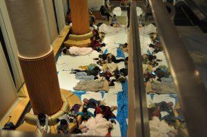 院内は一時、200名を超える避難者で溢れました